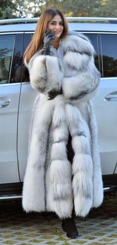 hear I want the fur coat but not completely covering her dress. White Fur Coat, Long Faux Fur Coat, Fur Fashion, Winter Fashion, Fabulous Furs, Winter Wear, Fox Fur, Fur Jacket, Coats For Women