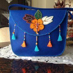 Name: Displayed times: 389 Size: KB (Kilobyte) . Felt Patterns, Bag Patterns To Sew, Sewing Patterns, Felt Crafts, Fabric Crafts, Sewing Crafts, Diy Bags Purses, Felt Purse, Simple Bags