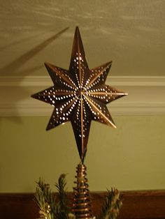 Love this tree topper! I wish I could find it