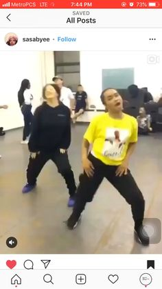 i been tryna learn this shit fa the longest . Dance Choreography Videos, Dance Music Videos, Bff Goals, Best Friend Goals, Squad Goals, Dance Sing, Just Dance, Funny Video Memes, Funny Relatable Memes