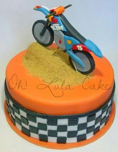 Birthday cake ideas for my boys on pinterest tractor for Decoration ktm