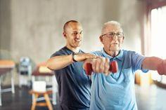 Confira um programa de exercícios físicos que podem ser feitos em casa pelos idosos - http://riodesaude.blogspot.com.br/2016/12/exercicios-caseiros-para-terceira-idade.html #idosos #RiodeSaúde