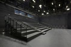 Black box theater in the Academic Building. Studio Theater, Theatre Design, Gym Design, Stage Design, Hall Design, Theater Architecture, Architecture Design, Ballet Studio, Dance Studio