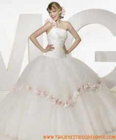 01                 Vestido de Novia  Madeline Gardner