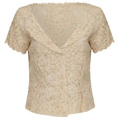 Pre-owned 1940's Cream Lace Blouse ($345) ❤ liked on Polyvore featuring tops, blouses, short sleeve, pink floral blouse, cream lace top, vintage blouse, short sleeve lace blouse and floral lace top