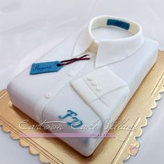 Shirt cake - Cake by Eliana Cardone - Cartoon Cake Village