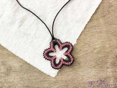 Virágos kert rózsaszín fekete gyöngyös nyaklánc