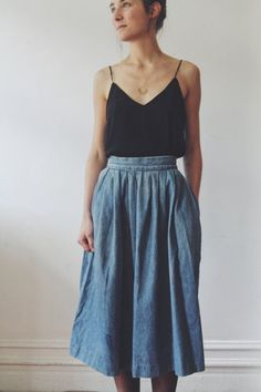 vintage denim prarie skirt // denim high waisted box pleated skirt - Vintage denim prarie skirt // denim high waisted box pleated skirt Source by julestillman - Skirt Outfits, Dress Skirt, Dress Up, Pretty Outfits, Cute Outfits, Casual Outfits, Modest Outfits, Beautiful Outfits, Moda Fashion