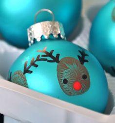 Reindeer thumbprint christmas tree ornaments // Ujjlenyomat rénszarvasos karácsonyfadíszek // Mindy - craft tutorial collection // #christmascrafts #christmasdecors #christmasdiy #diy #DIY #christmas #christmaskidscrafts