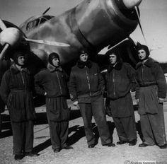 Gadurrà (Rodi), primavera Il capitano Buscaglia e del suo equipaggio con… Italian Air Force, National History, Ww2 Aircraft, Warfare, Wwii, Pilot, Aviation, Military, Italy