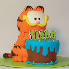 Garfield's Birthday Cake