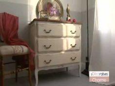 Patiner un meuble : relooking d'une commode - Peinture Charme Les Décoratives - YouTube