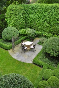 The property 1055 Woodbine Pl, Lake Forest, IL 60045 is currently not for sale on Zillow. Boxwood Garden, Garden Hedges, Topiary Garden, Topiaries, Formal Gardens, Small Gardens, Outdoor Gardens, Garden Landscape Design, Landscape Architecture