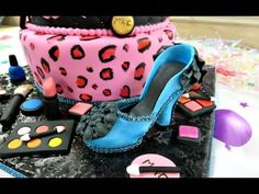 Makeup Fondant Cake - YouTube