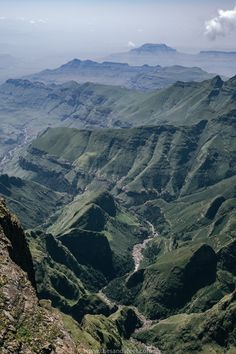 The Amphitheatre Hike (also called the Tugela Falls Hike) in Royal Natal National Park in the northern Drakensberg is one the most spectacular hiking trails in South Africa. Our guide covers how to plan for the trip and hike it independently. South Africa Tours, Hiking Essentials, Hiking Tips, Day Hike, Africa Travel, Cool Places To Visit, Travel Inspiration, Trail, National Parks