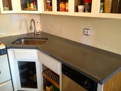 Custom kitchen countertop for an efficiency apartment in New York.