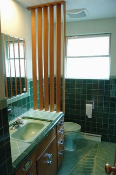 Vintage 50s bathroom by willykent, via Flickr