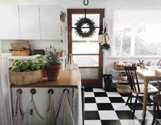 TRANSITIONAL DECOR FOR THE HOLIDAYS