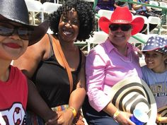 Look at this #melaninpoppin at the #Rodeo #Family #MotherAndDaughterGoals