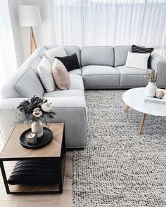 54 Gorgeous Living Room Color Schemes to Make Your &; 54 Gorgeous Living Room Color Schemes to Make Your &; bluesmoke bluesmoke 54 Gorgeous Living Room Color Schemes to […] room colors combinations Interior Design Living Room, Living Room Designs, Interior Livingroom, Interior Decorating, Home Living Room, Living Room Decor, Living Area, Living Room Color Schemes, Living Room Inspiration