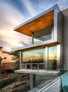 #Contemporary Entertaining-Based #home with a Cool City #View