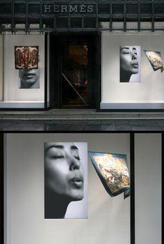 Window display for Hermès by Tokujin Yoshioka Visual Display, Display Design, Store Design, Hermes Window, Shop Windows, Shop Interiors, Japanese Artists, Retail Design, Dressage