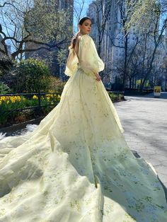 Monique Lhuillier Bridal Spring 2022 Trunk Show @leliteboutique May 27 - 30 Monique Lhuillier Bridal, Wedding Dress Trends, Bridal Salon, Bridal Boutique, Bridal Collection, Bridal Dresses, Wedding Styles, Ball Gowns, Girl Fashion