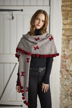 57ca73eca2 I'd like to make one with bees, I like butterflies, but bees . Linda Wenger  · Knitting scarves ...