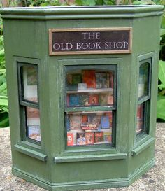 KT Miniatures Journal: THE OLD BOOK SHOP - 1/12th Scale Shop Front