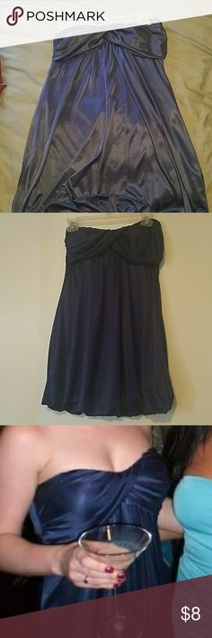 Navy strapless dress Silky strapless dress in navy blue. Very good used condition. Forever 21 Dresses Strapless