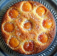 Amandelcake met abrikozen en kokos.