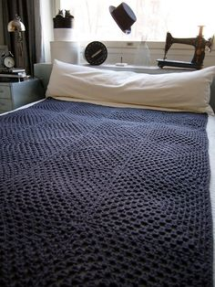 Simple crochet throw / blanket