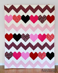» I Heart Chevrons Quilt Tutorial & Giveaway - Timeless Treasures / Modern Handcraft #vday #valentinesday