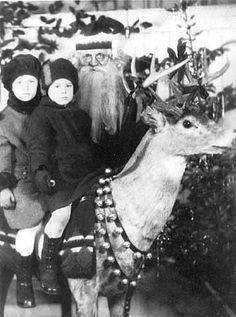 Muriel and Lorraine Gill with Santa, Duluth  1925  Collections Online : mnhs.org