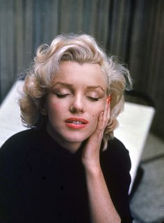 Alfred Eisenstaedt shoots the iconic Marilyn Monroe for an issue of Life Magazine, circa 1953.