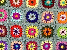 Plaid vintage au crochet granny en laine multicolore