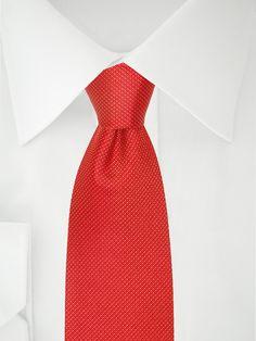 Rote Krawatte mit weißen Streifen