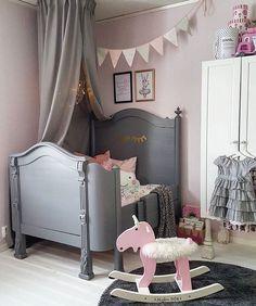 "112 Likes, 4 Comments - @mini_inspirasjon on Instagram: ""Look at that bed  by @villa_livfull  #love #boysroom #gutterom #girlsroom #jenterom #interiør…"""