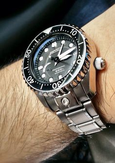 The @seikowatches Marinemaster 50th Anniversary, with gold ...
