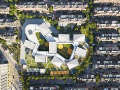 kindergarten complex in shanghai by office mass is shaped like the infinity symbol - Kindergarden Concept Models Architecture, Studios Architecture, Architecture Plan, Architecture Diagrams, Architecture Portfolio, Kindergarten Design, Kindergarten Projects, Kindergarten Classroom, Classroom Architecture
