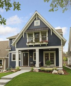 Rustic Cottage House Exterior Design Ideas To Copy – rustic home exterior Design Exterior, House Paint Exterior, Dream House Exterior, Exterior House Colors, Simple House Exterior, Siding Colors, Exterior Paint Colors, House Exteriors, Modern Entrance