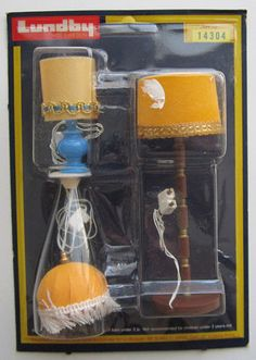 VINTAGE LUNDBY OF SWEDEN DOLL HOUSE FURNITURE CORDED ELECTRIC LAMPS IN PKG NR !!