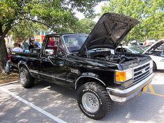 1990'S Ford Trucks   1990 Ford F-150 XLT Lariat