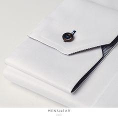 Skjorter i 100% bomull i de fineste Italienske kvaliteter fra Viero Milano. Kr. 795,- www.menswear.no Photo: @katyadonic #menswear_no #menswear#oslo#tjuvholmen #lysaker#bogstadveien#hegdehaugsveien #skjorte#perlemor#viero #jobb #fest #shirt#suitup#motherofpearl #buttons