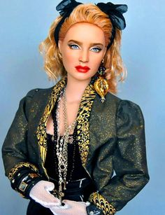Uncannily Realistic Repainted Celebrity Dolls- Not a doll collector but would love this Madonna  doll just because.