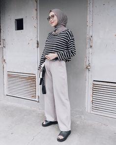 Style Hijab Casual Monokrom 26 Ideas For 2019 Hijab Casual, Hijab Chic, Casual Jeans, Muslim Fashion, Modest Fashion, Fashion Outfits, Look Fashion, Trendy Fashion, Hijab Stile