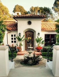 Modern spanish house homes spanish style homes spanish spanish home design ideas tags interior spanish homes Colonial Revival Architecture, Spanish Architecture, Home Architecture, Mediterranean Architecture, Landscape Architecture, Style At Home, Fachada Colonial, Hacienda Homes, Mexico House