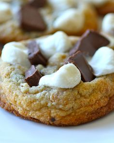 S'mores Cookies - http://www.sweetpaulmag.com/food/my-happy-dish-smores-cookies-from-downtown-cookie-co #sweetpaul