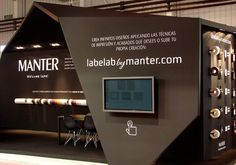 Manter stand at Enomaq Fair 2013 by Blou and Rooi exhibit design