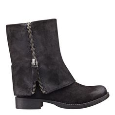 """Hooded round toe 1"""" bootie.  Leather upper."""